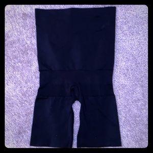 NWOT Spanx Black High Waist Butt Lifting Shaper S